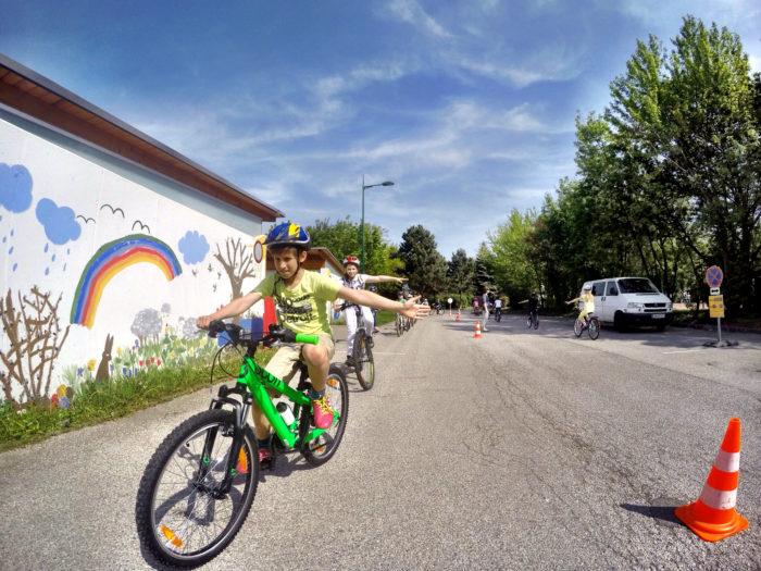 Kind bei einem EasyDrivers Radfahrkurs
